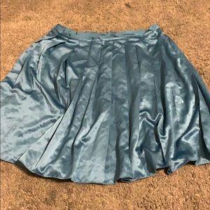 Silk pleated skirt